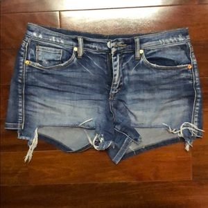 Blank NYC Astor cut-off shorts
